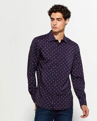 Perry Ellis Slim Fit Line Long Sleeve Sport Shirt