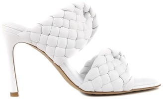 Bottega Veneta Curved Sandals In Woven Leather