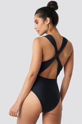 NA-KD Hannalicious X Wide Straps Cross Back Swimsuit Black