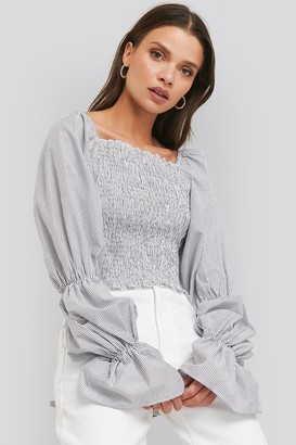 NA-KD Smocked Cropped Top