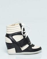Le Château Leather-Like Colour Block Sneaker