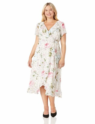 Gabby Skye Women's Plus Size Short Sleeve Floral Ruffled Dress