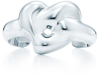 Tiffany & Co. Elsa Peretti Knotted Heart cuff in sterling silver, medium