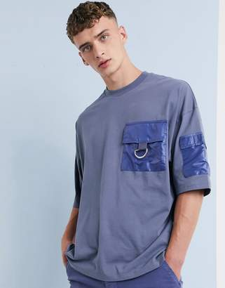 Asos Design DESIGN oversized t-shirt with half sleeve and D-ring utility pocket-Grey