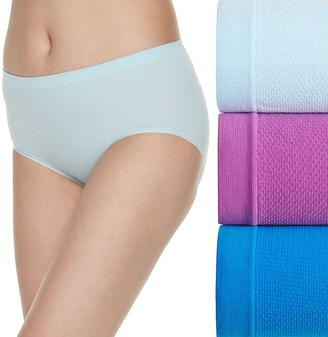 Fruit of the Loom Women's Signature 3-pack Breathable Seamless Low Rise Brief Panties-3DBSLRK