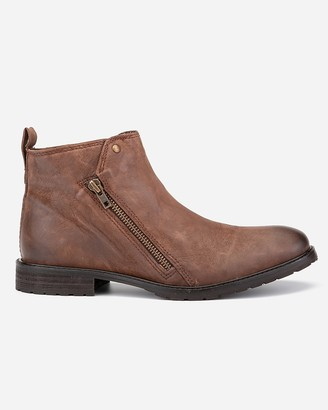 Express Vintage Foundry Calvin Chelsea Boots