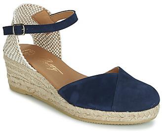 Betty London INONO women's Sandals in Blue