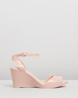Melissa Blanca Wedge Heels