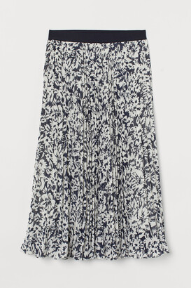 H&M Pleated chiffon skirt