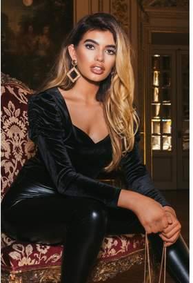 Quiz Sam Faiers Black Velvet Puff Sleeve Sweetheart Bodysuit