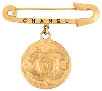 Chanel Pre-Owned CC medallion brooch pin