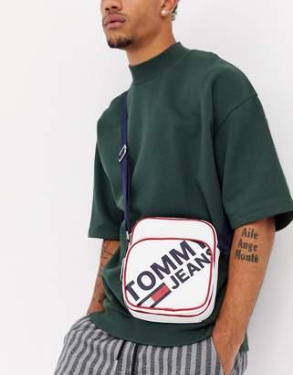 Tommy Hilfiger modern prep mini crossover flight bag-White