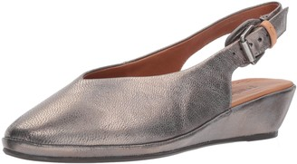 Gentle Souls by Kenneth Cole Women's Noemi Slingback Low Wedge Clog