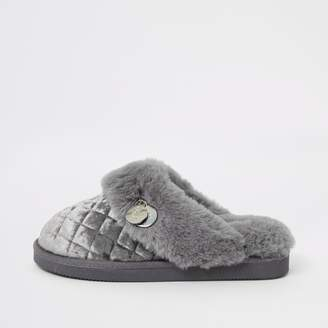 River Island Womens Grey quilted faux fur mule slippers