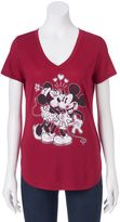 Disney Disney's Juniors' Mickey & Minnie Mouse Kiss Graphic Tee
