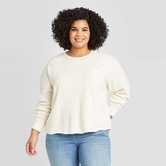 Universal Thread Women's Plus Size Crewneck Pocket Sweatshirt - Universal ThreadTM