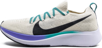 Nike Wmns Zoom Fly Flyknit Shoes - Size 6W