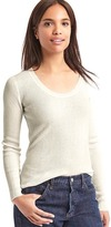 Ribbed scoop pullover