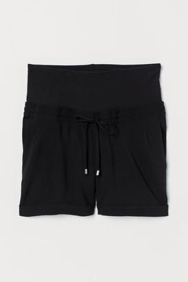 H&M MAMA Short shorts
