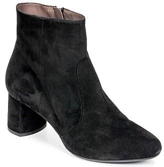 Perlato JERANA women's Low Ankle Boots in Black
