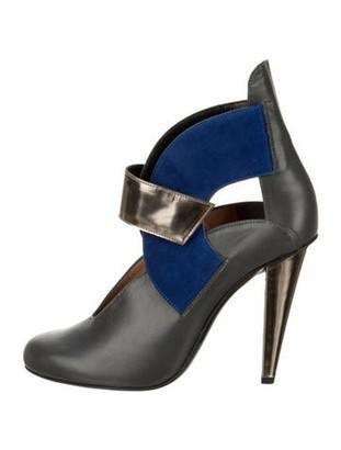 Roland Mouret Leather Cutout Pumps blue