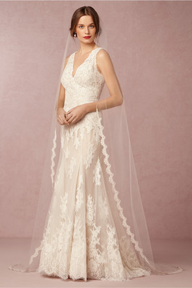 Paris By Debra Moreland Scalloped Cathedral Veil