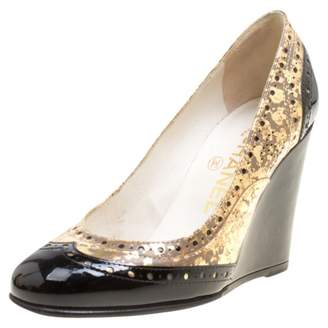 Chanel Gold Patent leather Heels