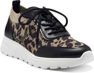 Vince Camuto Bilanie Lace-up Sneaker