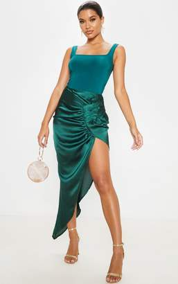 PrettyLittleThing Emerald Green Satin Pleat Detail Midaxi Skirt