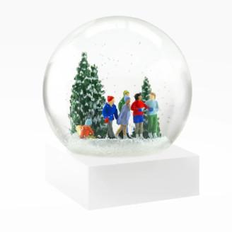 Cool Snow Globe - Ice Skaters Snow Globe