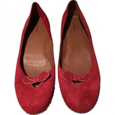 Marc Jacobs Red, gold flats