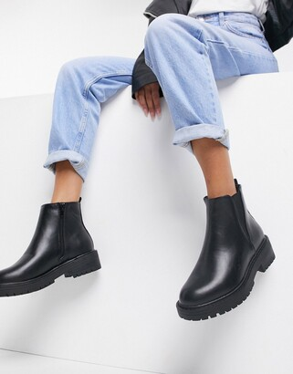 New Look chunky faux leather chelsea boot in black