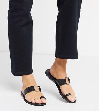 ASOS DESIGN Wide Fit Feline leather toe loop sandal in black