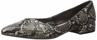 Kenneth Cole New York womens Pointed Toe Ballet Flat