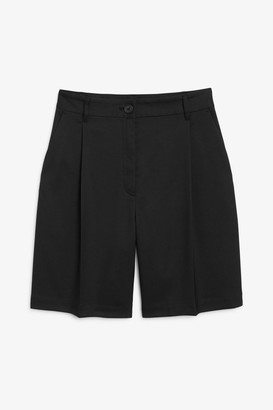 Monki Bermuda shorts