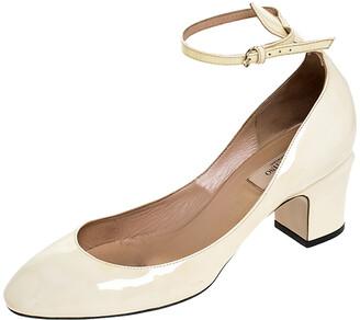 Valentino White Patent Leather Tango Ankle Strap Pumps Size 39.5