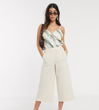 Vero Moda Petite structured culottes in cream