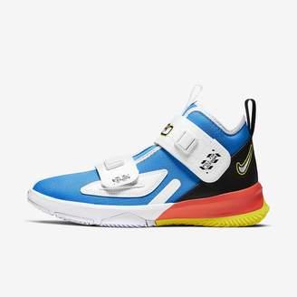 Nike Big Kids' Basketball Shoe LeBron Soldier 13