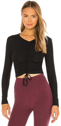 Beyond Yoga Scrunch It Up Cropped Pullover