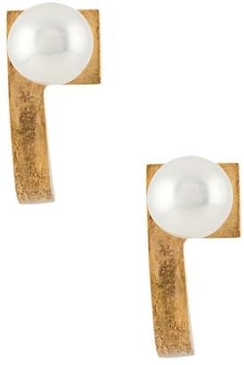 Hsu Jewellery Pearl Embellished Curved Earrings