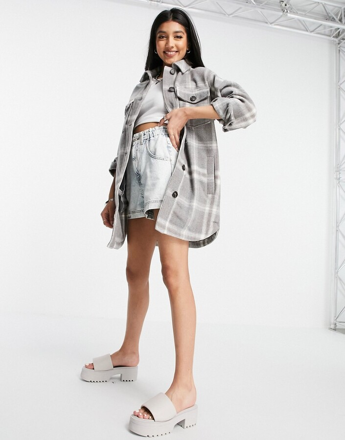 Thumbnail for your product : New Look long line shacket in grey check