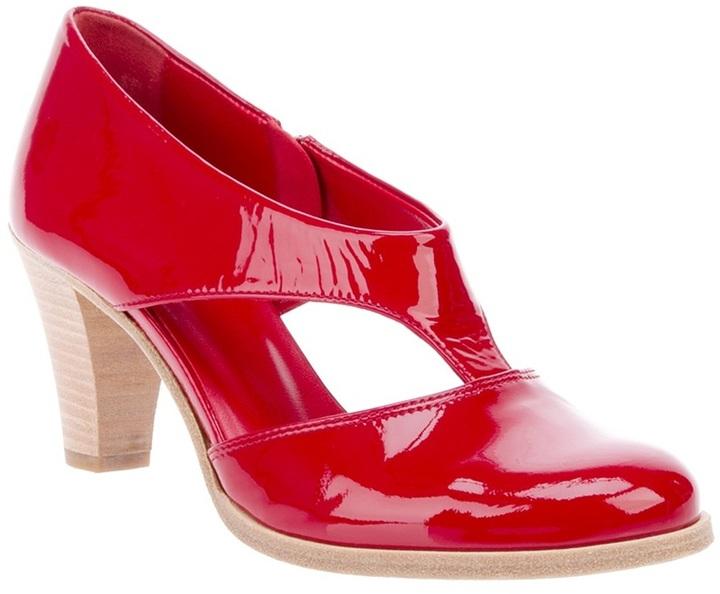 Zeha Glossy Red Sandal