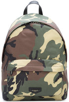 Givenchy camouflage print backpack - men - Calf Leather - One Size