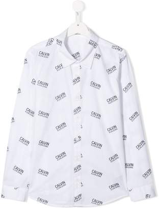 Calvin Klein Kids TEEN all over logo print shirt