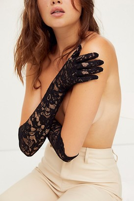 Carolina Amato Longingly Lace Gloves