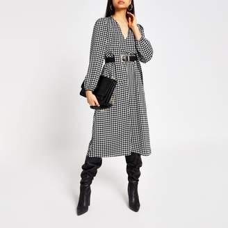 River Island Womens Black dogtooth check tie V neck midi dress