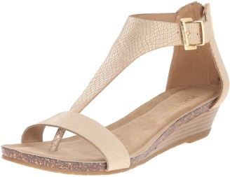 Kenneth Cole Reaction Women's Great Gal T-Strap Wedge Soft Gold 6.5 M US