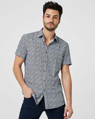 Le Château Floral Tailored Fit Short Sleeve Shirt