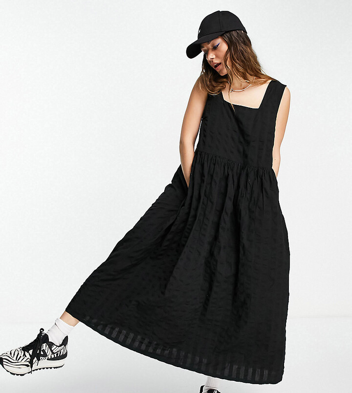 Thumbnail for your product : Collusion organic cotton seersucker midi length pinafore sundress in black