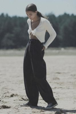 BDG Erin Washed Black Cocoon Jeans - Black 24 at Urban Outfitters